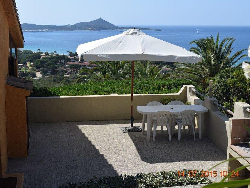 Casa Caterina. Huis met prachig zicht op zee en bergen., vacation rental in Villasimius