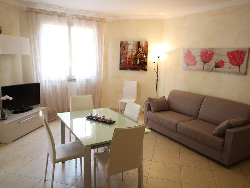 Appartamento Trilocale a 50 metri dal mare, aluguéis de temporada em Taggia