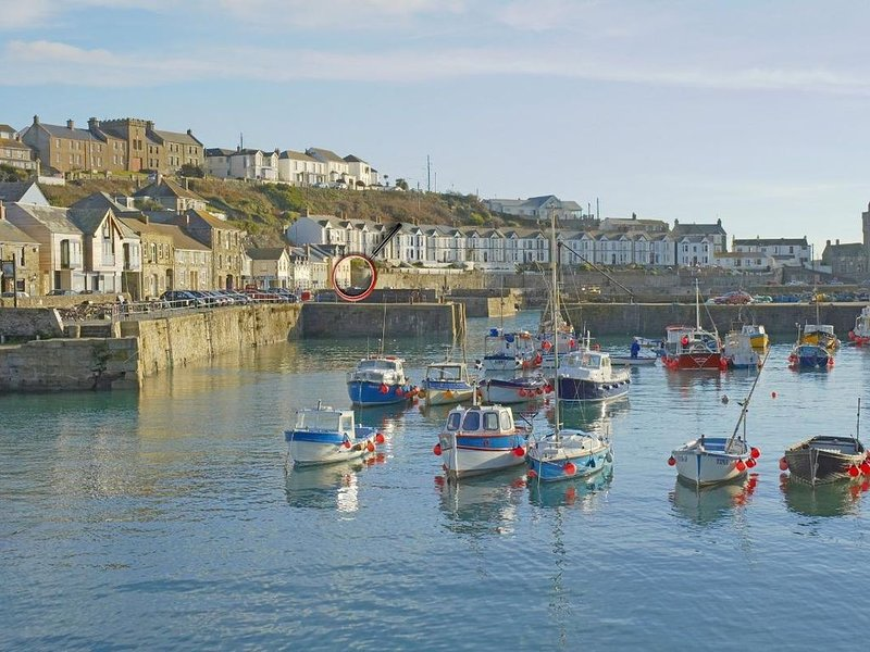 Sea Star, PORTHLEVEN, vacation rental in Porthleven