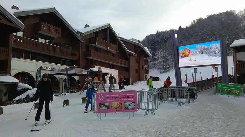 Well Located Ski Apartment, Next To The Bubble Lift  - Morillon/Grand Massif., Ferienwohnung in Morillon