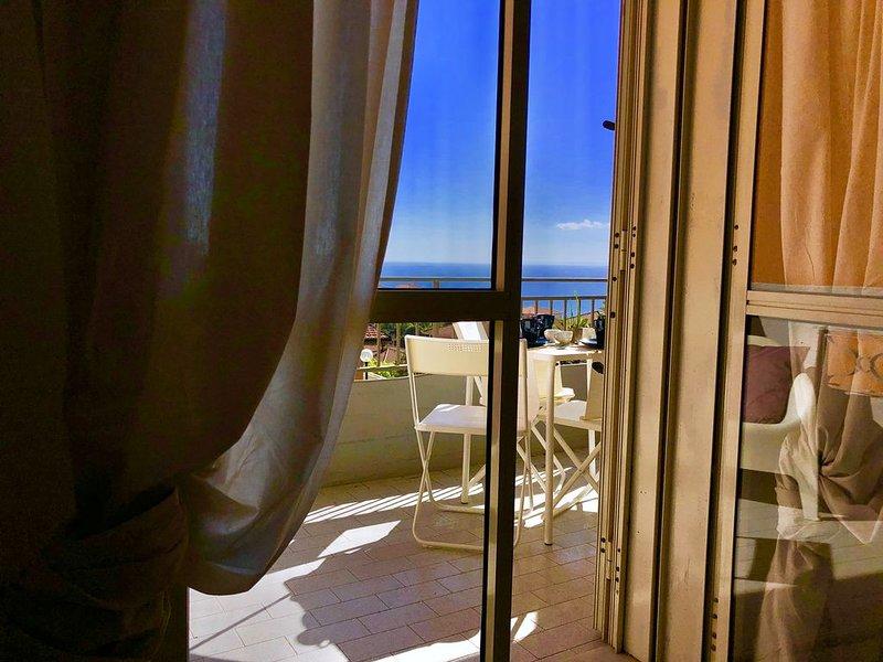 Casa Mercurio con vista mare, holiday rental in Vambolieri I