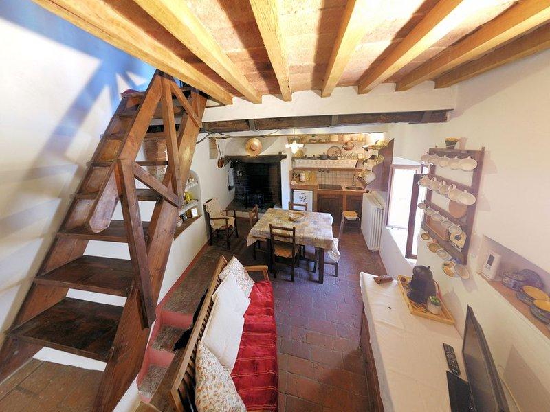Casa di Lorenzo a Legoli, holiday rental in Legoli