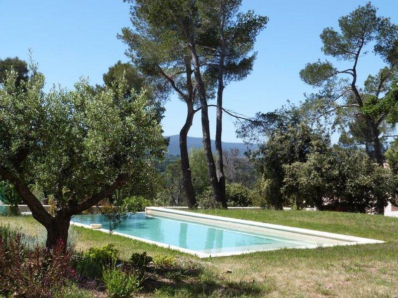 Proximité Aix en Provence, Bastide avec panorama exceptionnel, location de vacances à Pourrieres