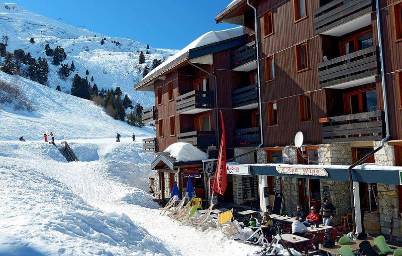 Appartement de Montagne avec accès DIRECT AUX PISTES! Bon rapport Qualité-Prix!, vacation rental in Meribel Mottaret