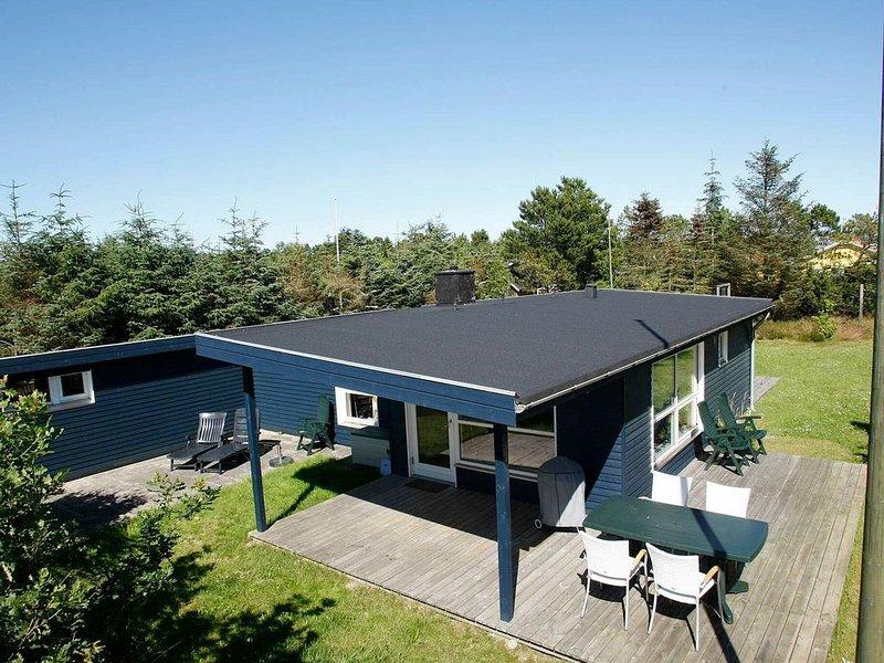 Splendid Holiday Home in Ålbæk with Roofed Terrace, alquiler vacacional en Kandestederne