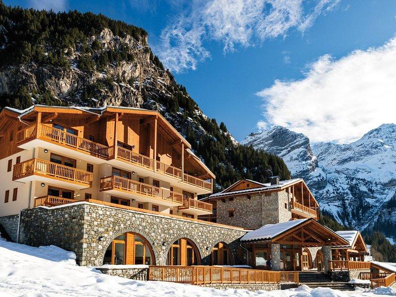 Appartement à Pralognan-La-Vanoise | Skis aux pieds + Accès Piscine, holiday rental in Pralognan-la-Vanoise