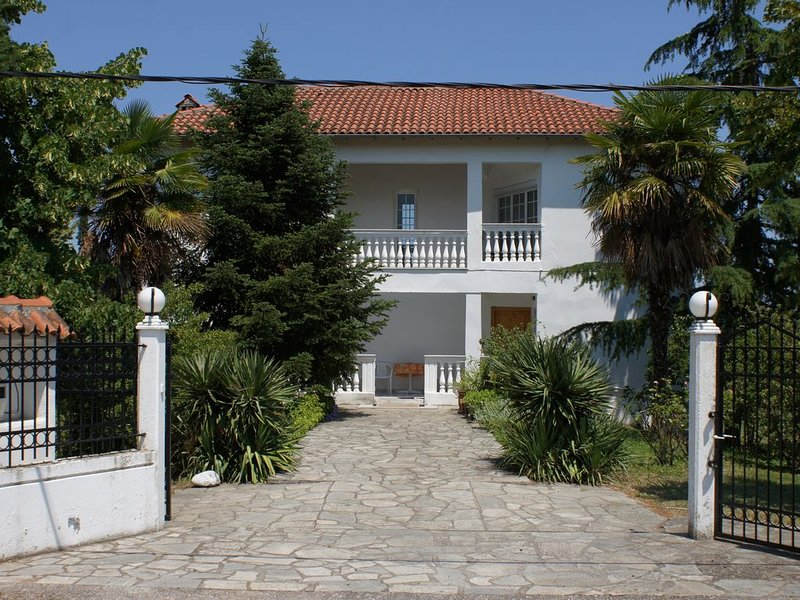 Beautiful Villa next to Olympus, holiday rental in Olympiada