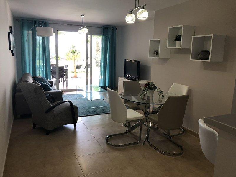 Modern 2 Bedroom Apartment on Ground Floor, alquiler vacacional en Torre-Pacheco