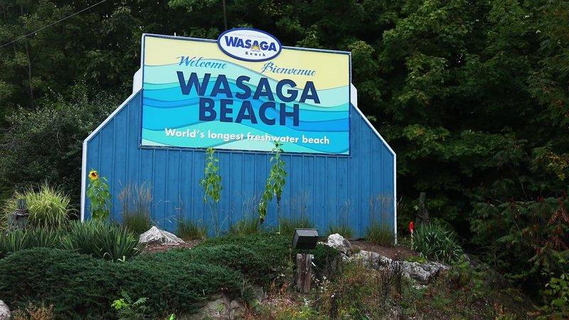 WASAGA RIVERFRONT GETAWAY, vakantiewoning in Stayner