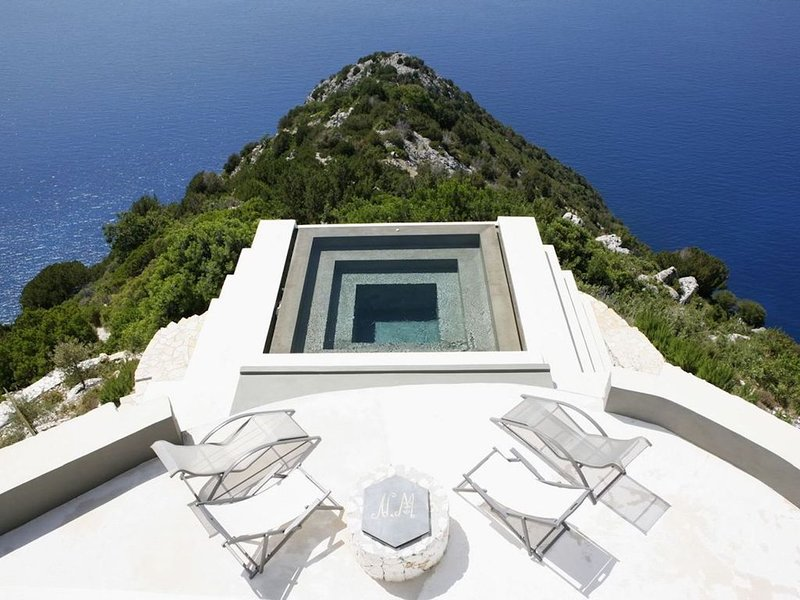 Top end luxury property on the cliff above Myrtos Beach, incredible setting, vacation rental in Divarata