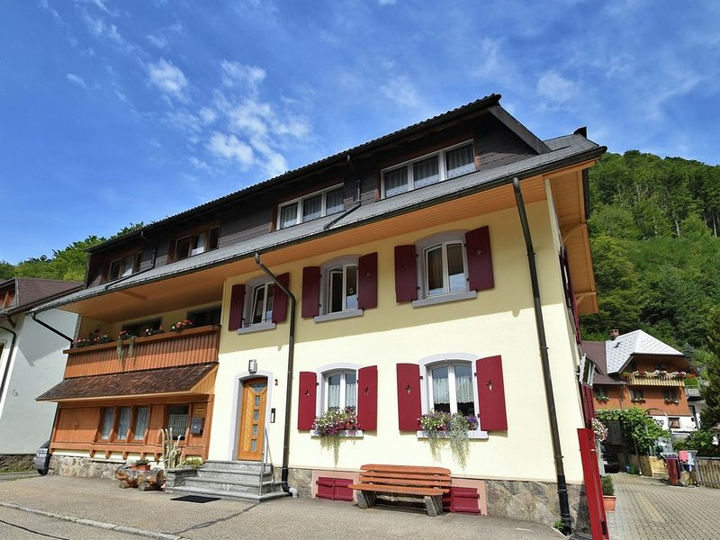 Tranquil Apartment in Geschwend near City Centre and River, holiday rental in Tegernau