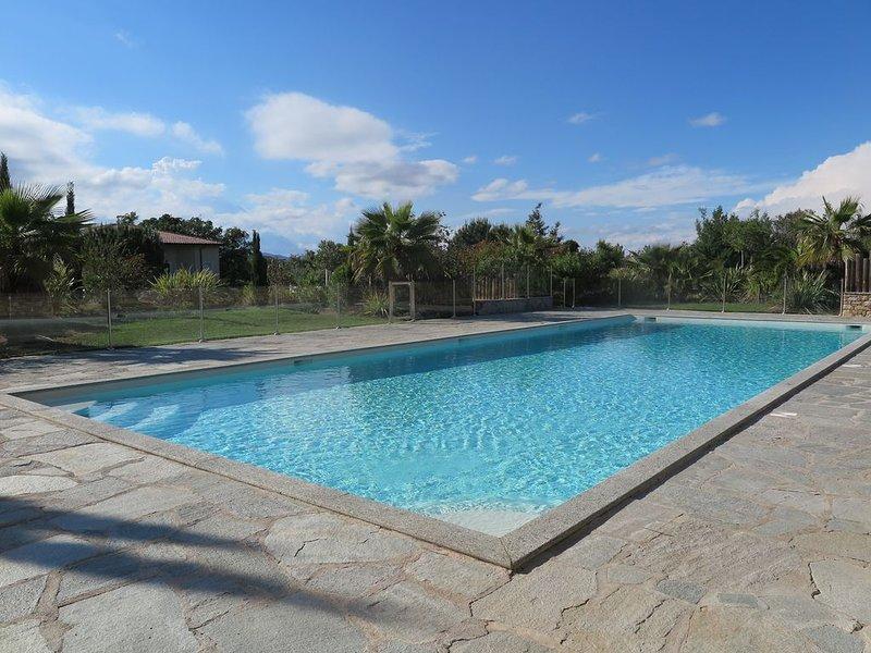 Appartement de standing climatisé 2 chbres dans résidence sécurisée avec piscine, location de vacances à La Croix Valmer