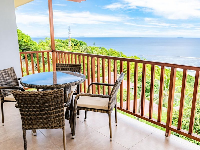 Stunning ocean views, vacation rental in Baie Lazare
