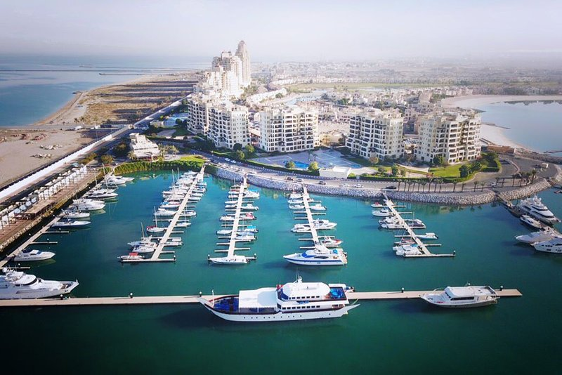 STUNNING 2 BED APARTMENT, holiday rental in Emirate of Ras Al Khaimah