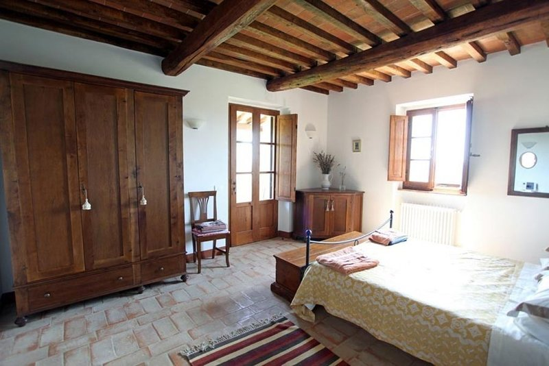 Luxury Tuscan Villa with pool near Cortona, vacation rental in Creti