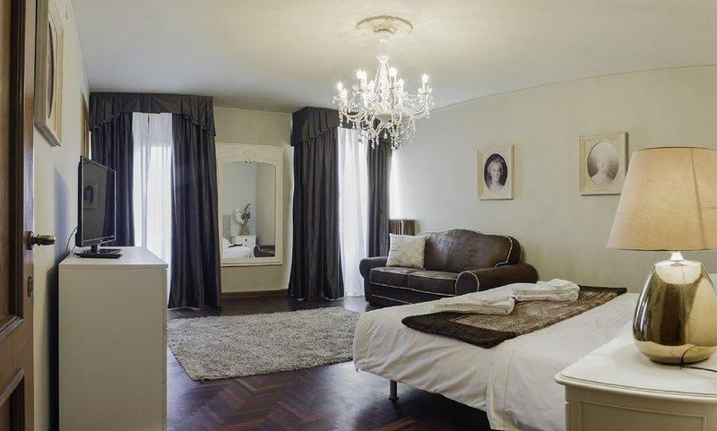San Marco Deluxe Canal View Terrace - Appartamento per 9 persone a Venezia, aluguéis de temporada em Cannaregio