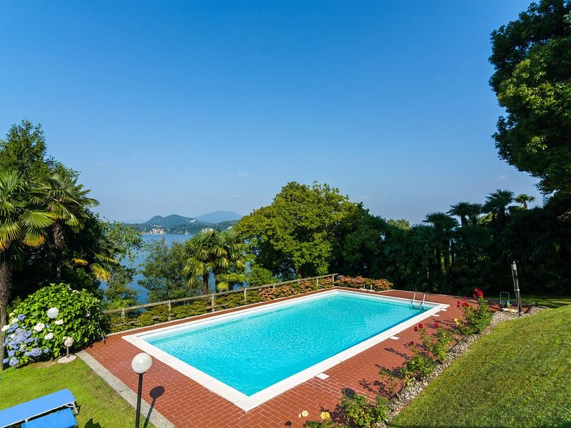 Cozy Apartment in Stresa Italy with Swimming Pool, vacation rental in Vedasco
