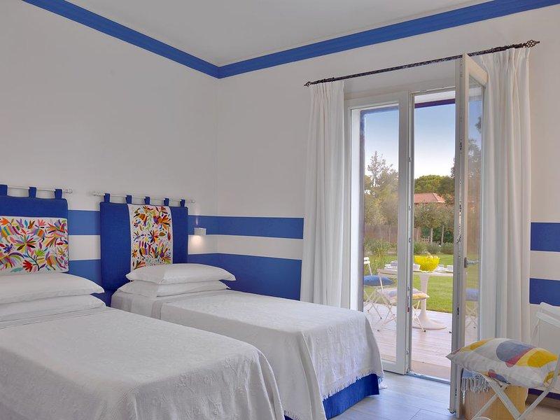 Villa Palma luxury detached house with direct access to the beach, alquiler vacacional en Marina di Bibbona