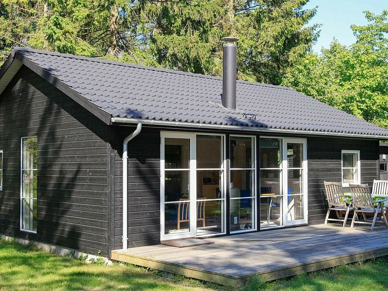 Spacious Holiday Home in Falster with Terrace, location de vacances à South Zealand