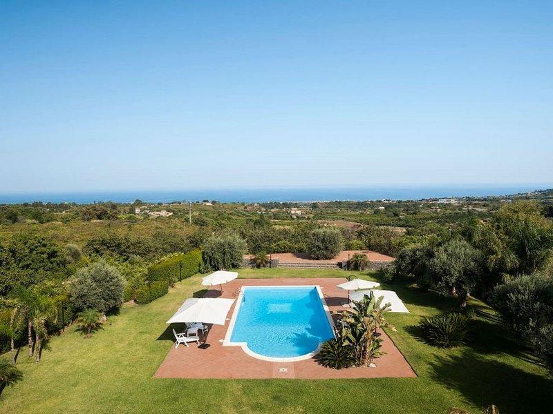 Villa Ginevra depandance piscina e wifi e parcheggio gratuito, vacation rental in Linera