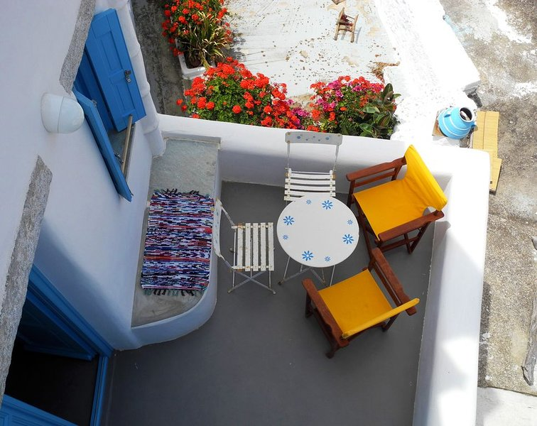 Elegante Maison Cycladique, holiday rental in Donousa Town