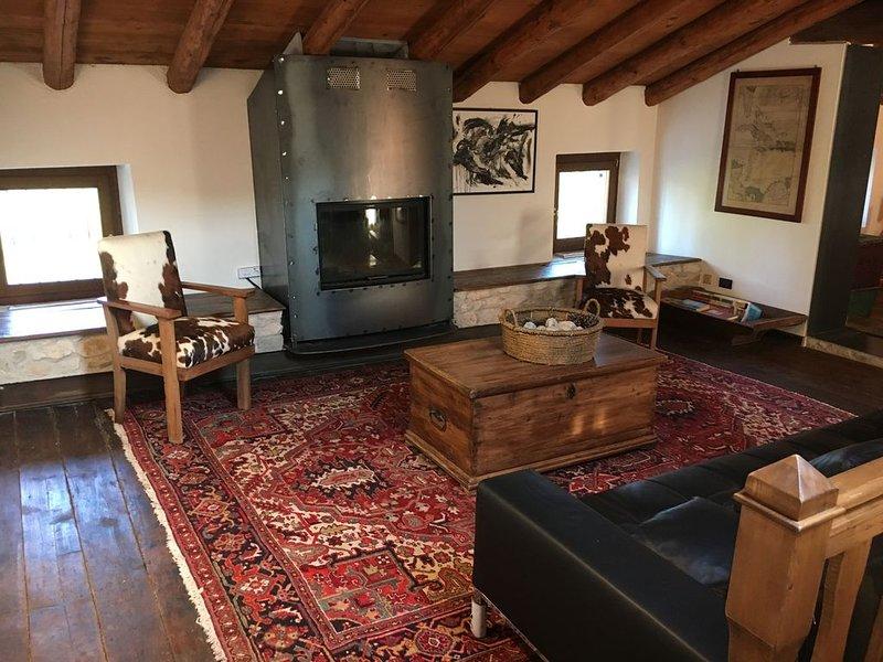 'Valpolicella Art Suite' dimora di charme con vista vicino a Verona e lago Garda, holiday rental in Valgatara