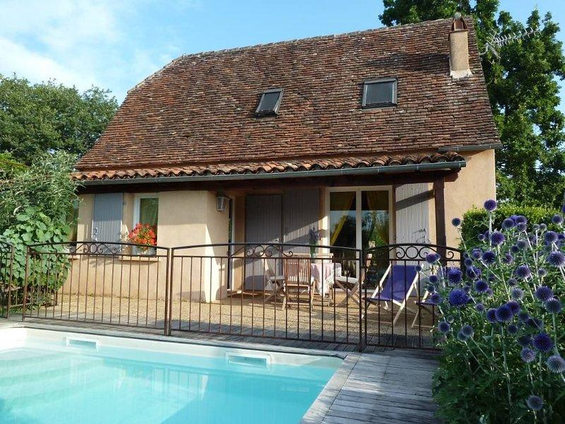 Maison 4/5  caractère avec piscine privée à Loubressac, village médiéval, location de vacances à Autoire