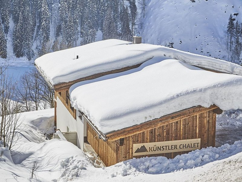Mountain Chalet on a Skiing Area in Saalbach with Sauna, aluguéis de temporada em Saalbach-Hinterglemm
