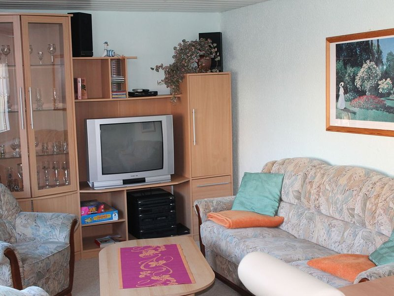 Apartment in Kröpelin with Terrace, Fenced Garden, Barbecue, holiday rental in Kroepelin