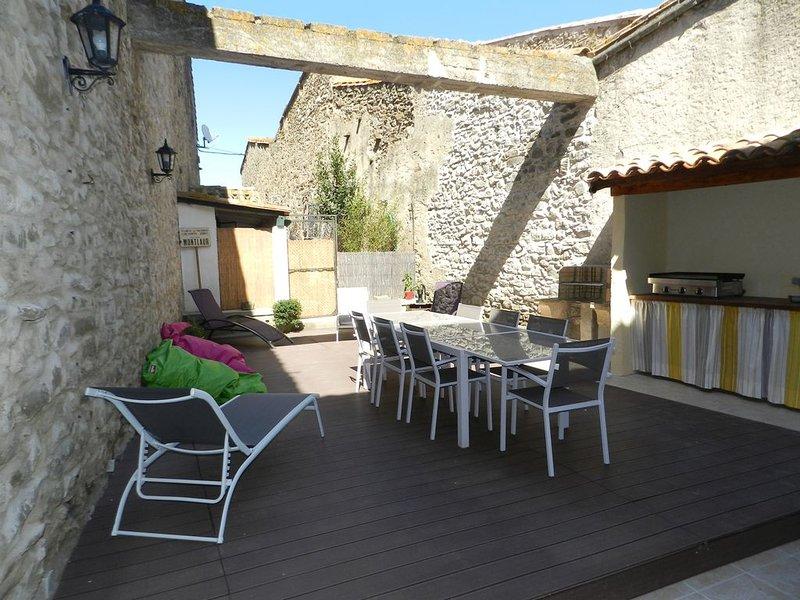 Gite Le Vieux Pressoir, Montlaur. Près de Carcassonne.   Au cœur des Corbières., holiday rental in Villetritouls