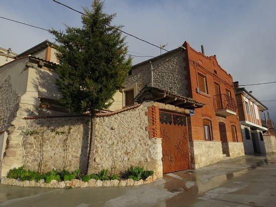 Casa rural (alquiler íntegro) El Amanecer de Sara para 8 personas, holiday rental in San Miguel de Bernuy