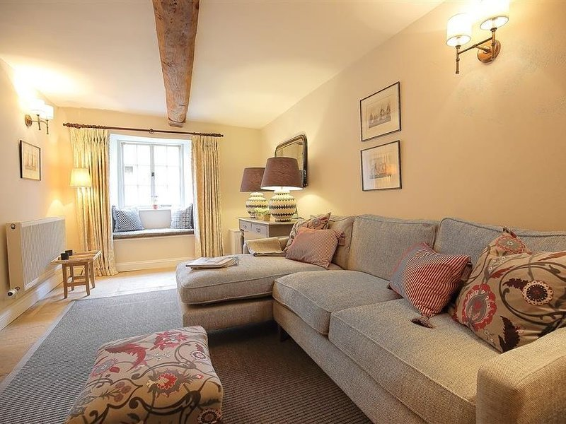 29 Chipping Steps, TETBURY, holiday rental in Easton Grey