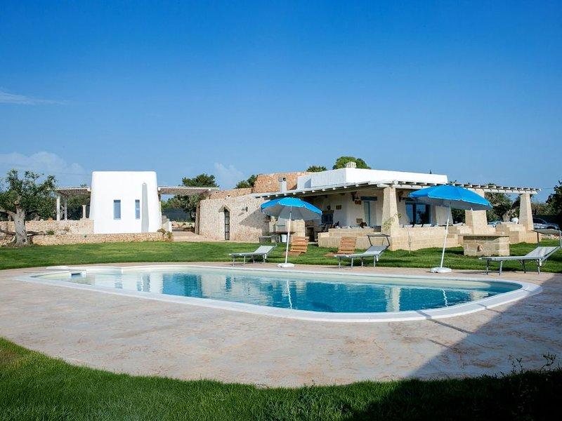 Prestige Pool Trullo - Torre Suda, location de vacances à Felline