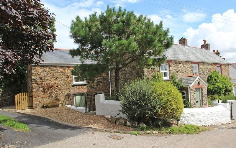 Mithian Cottage, ST AGNES, holiday rental in Mithian