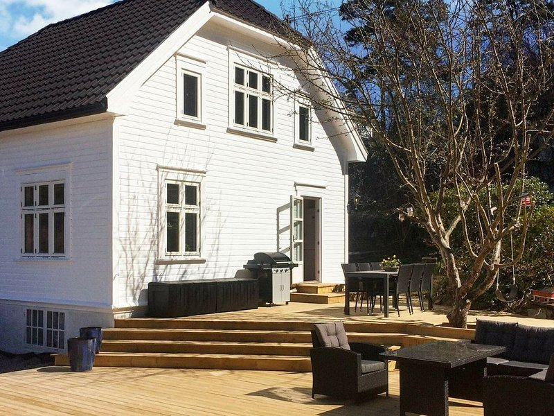 7 person holiday home in høvåg, vacation rental in Hovag