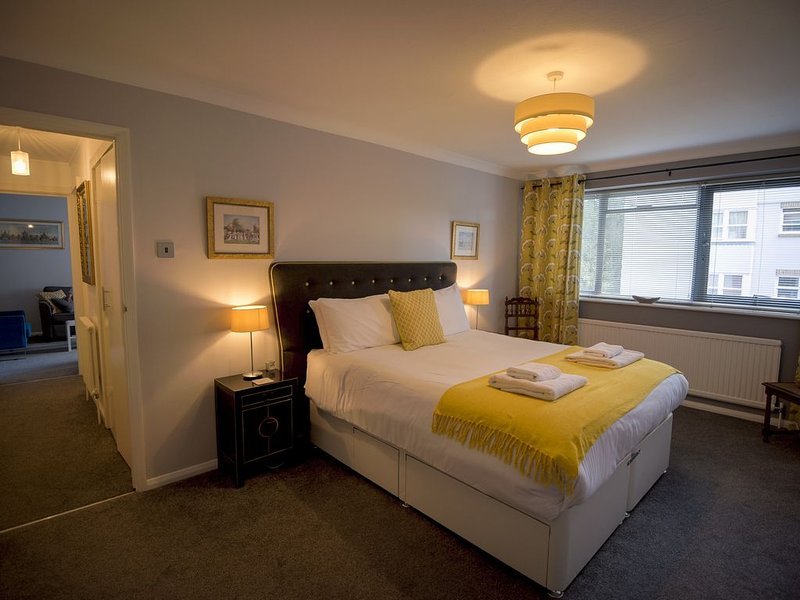 Preston Park Apartment, comfortable home-from-home with free parking, vacation rental in Ditchling