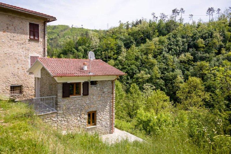 5Terre (Sesta Godano): Casa Conscenti,  rustico direttamente sul fiume Vara, holiday rental in Sesta Godano