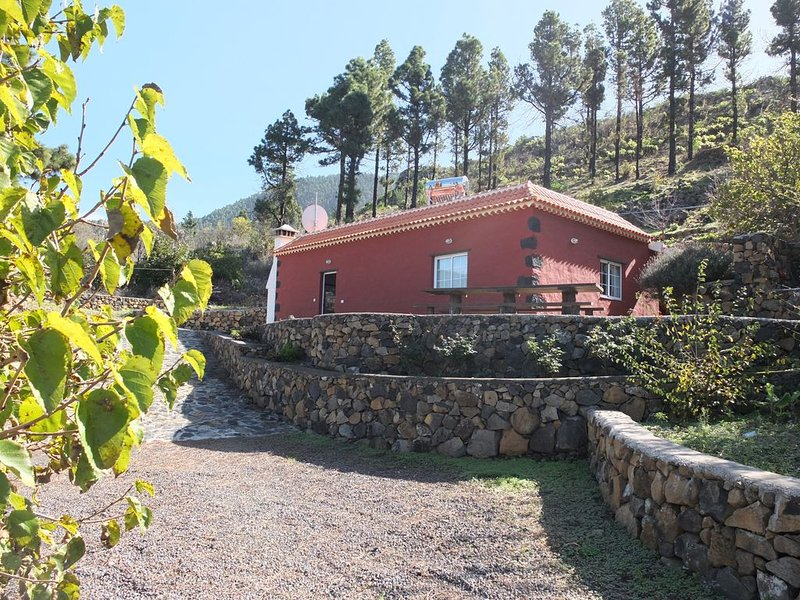 Casa Rustica in Cumbre Vieja Natural Park stunning views and ultimate privacy!, holiday rental in El Paso