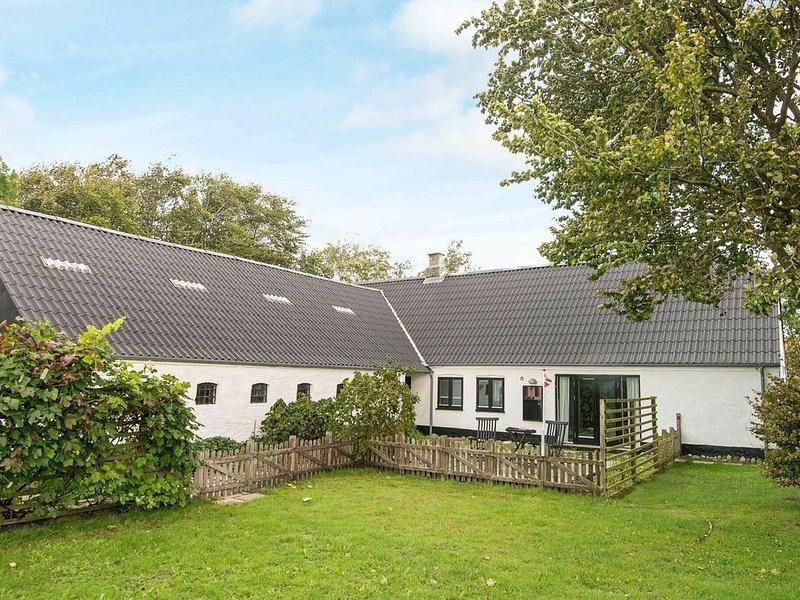 Comfy Holiday Home in Jutland with Barbecue, Ferienwohnung in Noerre Nebel