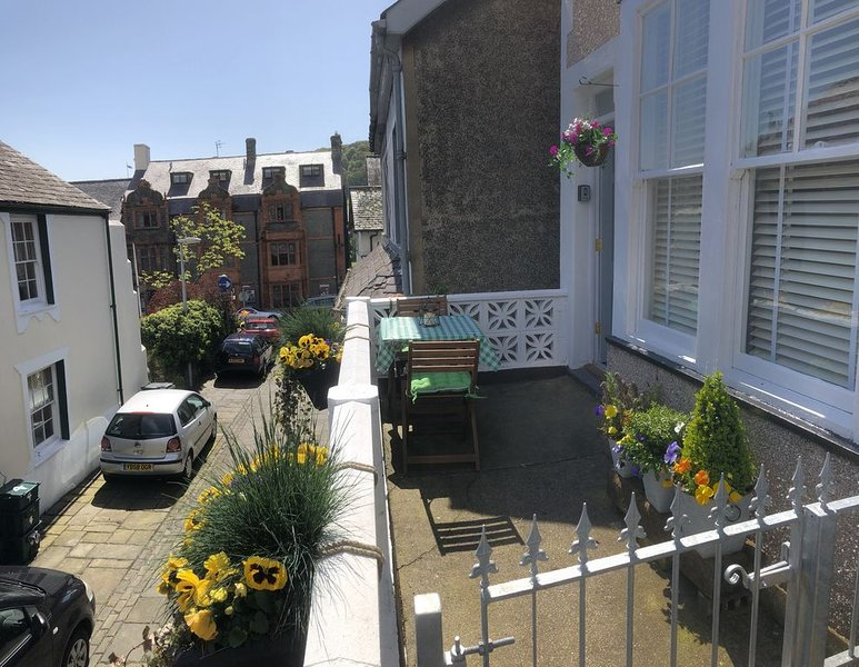 NEW - Downtown Cottage, in the heart of town, holiday rental in Conwy
