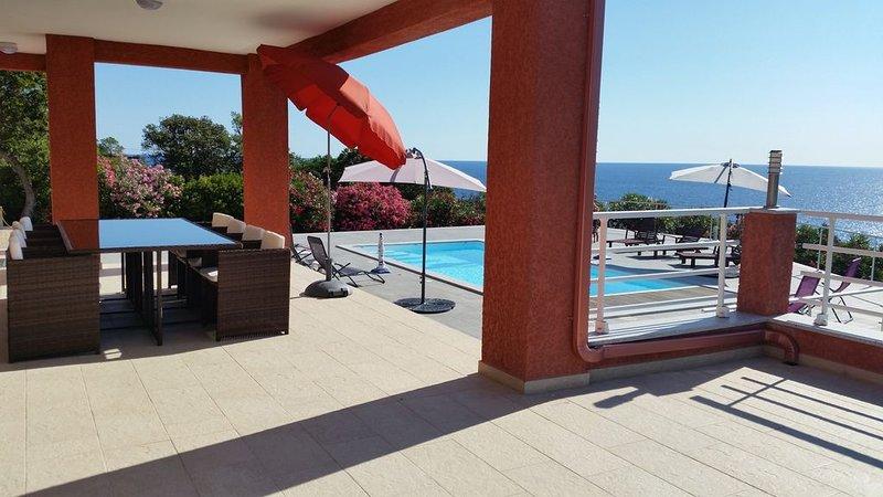 Solenzara.  Villa avec piscine  à 250 m de la mer(5 à 10 personnes), location de vacances à Sari-Solenzara