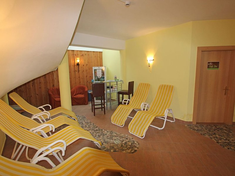 Quaint Apartment in Längenfeld with Sauna, holiday rental in Plangeross