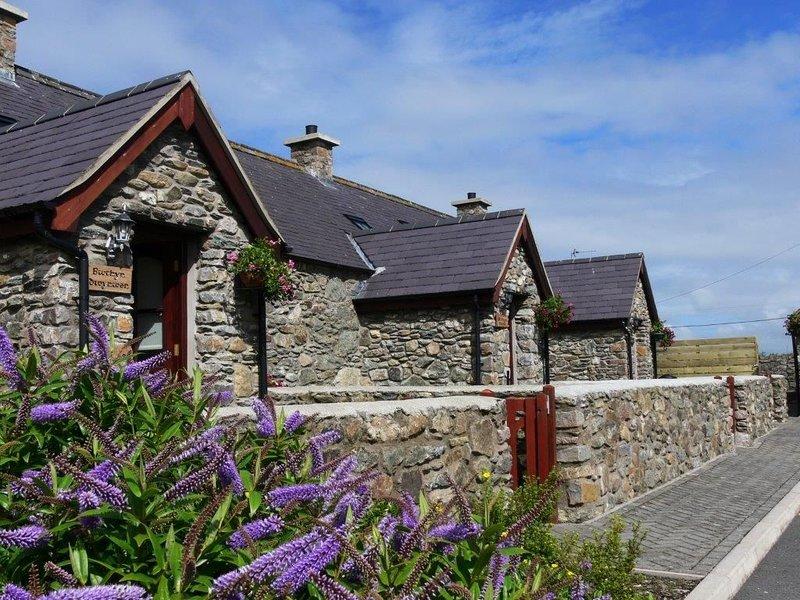 Bwthyn Branwen -  a pet friendly that sleeps 4 guests, location de vacances à Aberffraw