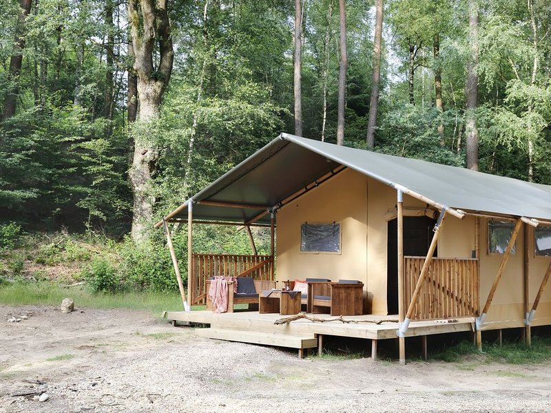 Avontuurlijk (winter)kamperen in een Luxe Lodgetent in Nationaal park Veluwezoom, vakantiewoning in Doesburg