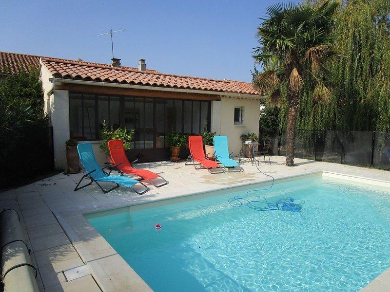 location saisonnière d'une maison avec jardin et piscine, location de vacances à Vedène
