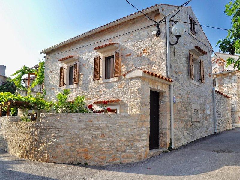 Maison en pierre avec charme, location de vacances à Medulin
