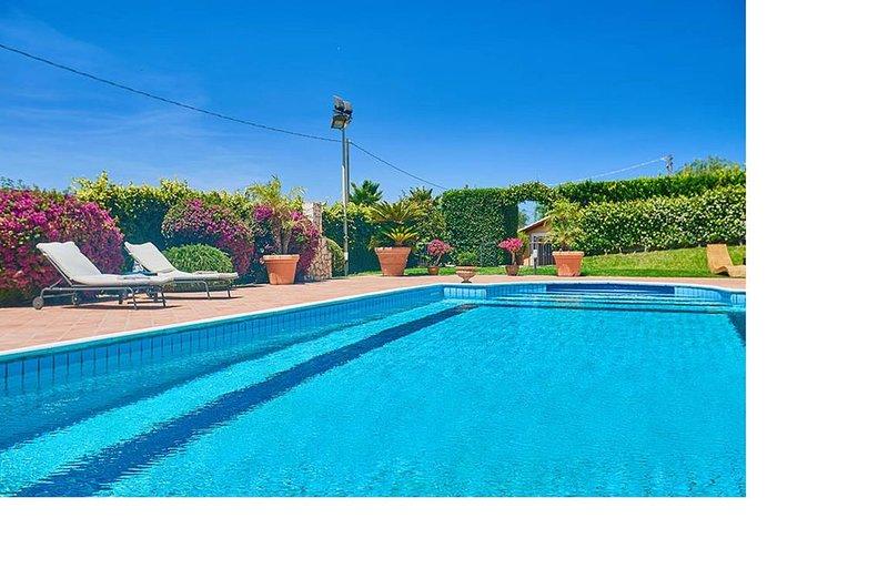 Villa con piscina privata, holiday rental in Militello in Val di Catania