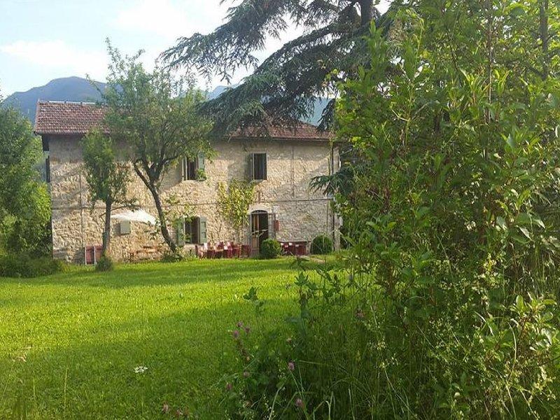 Lavish Villa in Imola amid the Forest, vacation rental in Porretta Terme