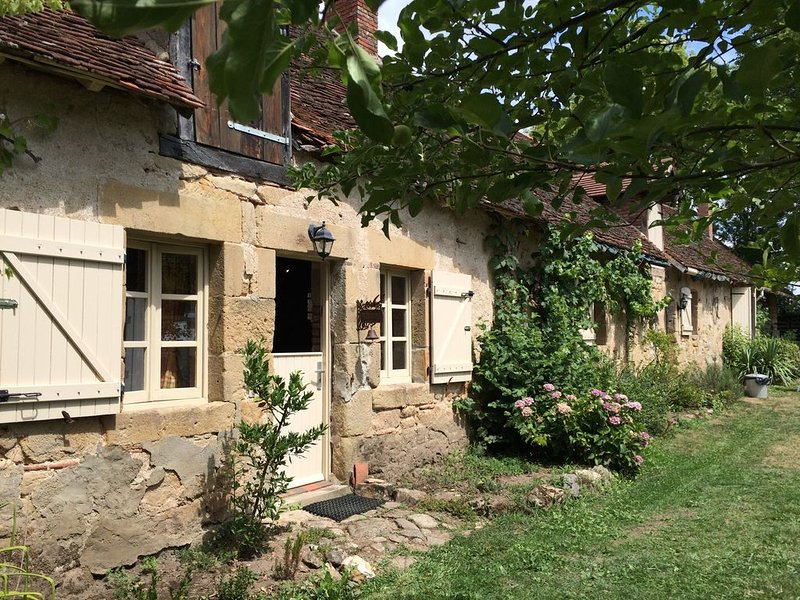 Fermette met charme in Midden-Frankrijk, holiday rental in Murat