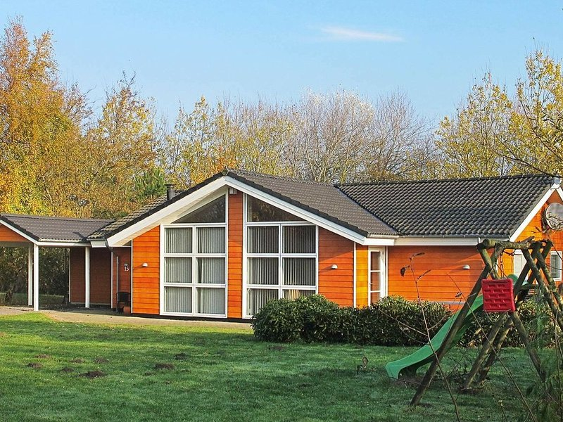 Vibrant Holiday Home in Lolland with Sauna, location de vacances à Roedby